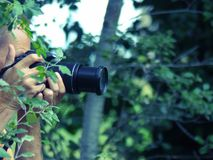 Fotógrafo en naturaleza fotografía de archivo