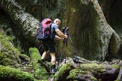 Fotógrafo que toma fotos em uma garganta Foto de Stock