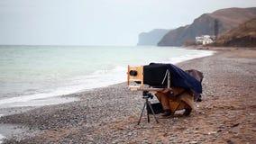 Fotógrafo que toma retratos vídeos de arquivo