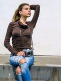 Fotógrafo 'sexy' da mulher Fotos de Stock Royalty Free
