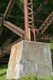 Fot av en järnbro och bock Fotografering för Bildbyråer