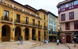 Fot- gata på den historiska delen av Oviedo Royaltyfri Foto