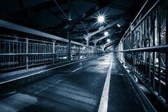 Fot- gångbana för Williamsburg bro Arkivbild