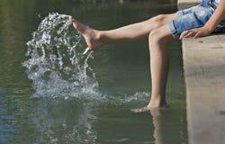 Fot i vatten Arkivbilder