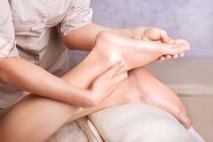 Fot massagebrunnsortsalong Arkivbilder