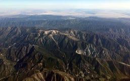 10.000 fot sikt av majestätisk bergskedja Royaltyfri Fotografi