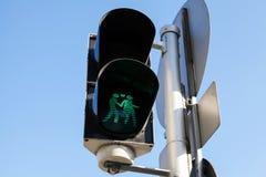 Fot- trafikljus i Wien, Österrike royaltyfri foto