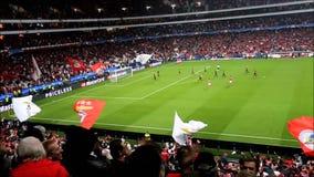 Fotboll Benfica vs Galatasaray stock video