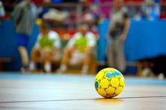 Fotboll- eller fotbollboll Arkivfoto
