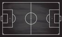 Fotboll- eller fotbolllekfältet på svart tavlatextur med krita gned bakgrund Sportinfographicsbeståndsdel Royaltyfri Bild