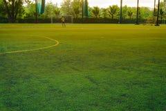 Fotboll för barnlek Royaltyfri Bild