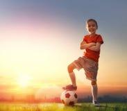 Fotboll för barnlekar Arkivbild