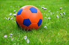 fotboll för burning exponeringsglas för aquaboll Royaltyfri Fotografi