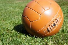 fotboll för burning exponeringsglas för aquaboll Arkivfoto