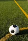 fotboll för fotboll för bollfält Royaltyfria Bilder