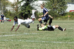 fotboll för högskolakvinnligjunior Arkivbild