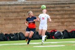 Fotboll för högskolaNCAA DIV III Women's Arkivfoto