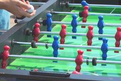 Fotboll för fotboll för tabell för folklekkicker Arkivbilder