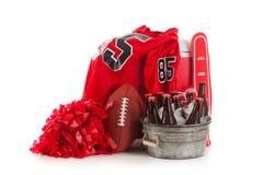 Fotboll: Hink av öl- och fotbollobjekt som är klara för parti Royaltyfri Foto