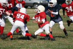 fotboll kissar wee Fotografering för Bildbyråer