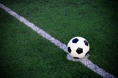 Fotboll klumpa ihop sig Royaltyfri Fotografi