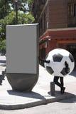 Fotboll klumpa ihop sig förklädnad Royaltyfria Bilder