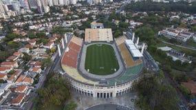 Fotboll runt om världen, Pacaembu stadionSao Paulo Brazil arkivfoto