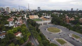 Fotboll runt om världen, Pacaembu stadionSao Paulo Brazil royaltyfri fotografi