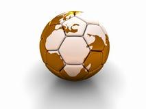 Fotbollbollen med bilden av världsdelar 3d framför Royaltyfri Foto