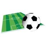 Fotbolldomstol och bollillustration Arkivbild