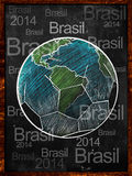 Fotbolljord skissar svart tavlaBrasilien text Arkivfoto