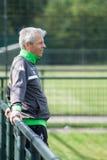 Fotbolllagledare Lucien Favre i klänning av Borussia Mönchengladbach Royaltyfri Bild
