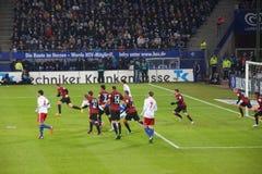 Fotbollleken Hamburg vs. Frankfurt arkivfoto