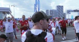 Fotbollsfan av Polen lager videofilmer