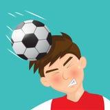 Fotbollspelare med head rensning Royaltyfri Fotografi