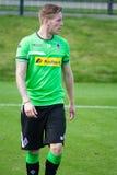 Fotbollsspelare Andre Hahn i klänning av Borussia Monchengladbach Royaltyfri Foto