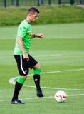 Fotbollsspelare Granit Xhaka i klänning av Borussia Monchengladbach Arkivbild