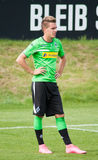 Fotbollsspelare Patrick Herrmann i klänning av Borussia Monchengladbach Royaltyfri Foto