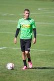FotbollsspelareThorgan fara i klänning av Borussia Monchengladbach Arkivfoto