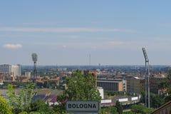 Fotbollstadiom av bolognaen, Italien, sikt från bersåleadinen arkivfoton