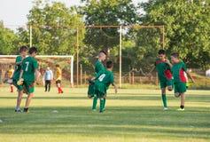 Fotbollutbildning för ungar Arkivbild