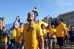 Fotbollventilatorer har gyckel under EUROEN 2012 i Kiev Royaltyfri Fotografi