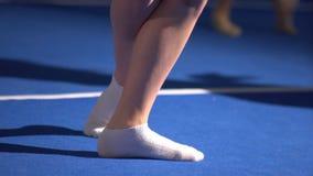 Foten av balettdansören är i en korridor Fotografering för Bildbyråer
