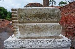 Foten av buddha i Ayutthaya, Thailand Arkivfoton