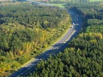 Foto aérea de uma estrada Fotos de Stock