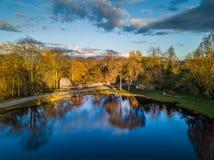 Foto aérea de un lago en Sunny Autumn Day Imágenes de archivo libres de regalías