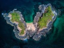Foto aérea del abejón - isla abandonada en el Océano Pacífico de la costa de Costa Rica Imágenes de archivo libres de regalías
