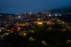 Foto aérea del abejón - Jiufen, Taiwán en la noche foto de archivo