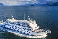 Foto aérea del barco de cruceros de Alaska Fotografía de archivo