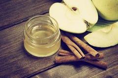 Foto aérea del vintage del canela, de la miel y de las manzanas Fotografía de archivo libre de regalías